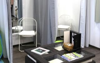 Die Umkleiden mit Sitzecke